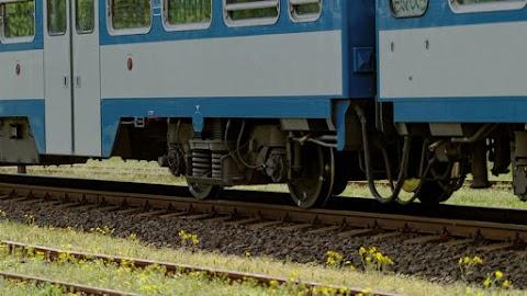 Győr belvárosában  embert gázolt egy vasúti szerelvény