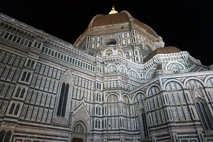 Euriental - luxury travel & style,mDuomo at night, Florence, Italy