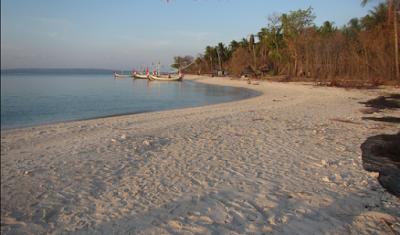 Jalur Menuju Pulau Gili Labak Madura