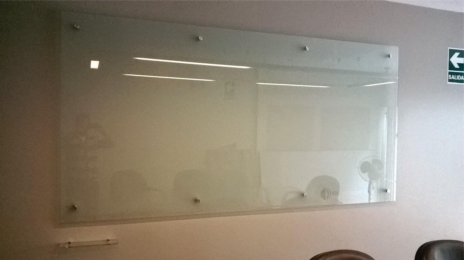 Vka publicidad letreros s a c pizarra en vidrio de - Pintura de pizarra para pared ...