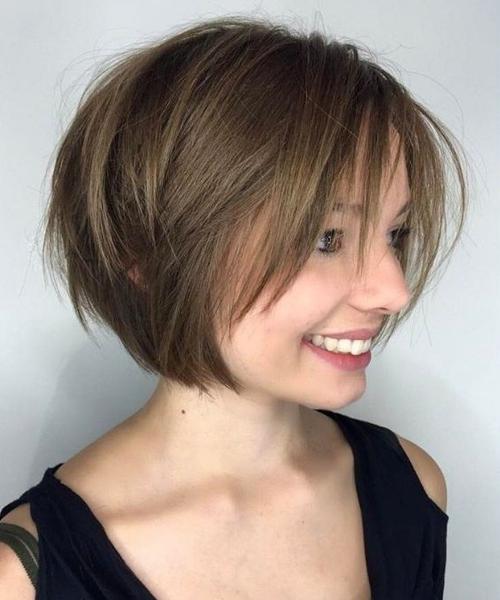 Frisuren Bob Kurz Braun Helle Haarfarbe 2019