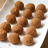 http://www.bakingsecrets.lt/2015/03/sokoladiniai-triufeliai-chocolate.html