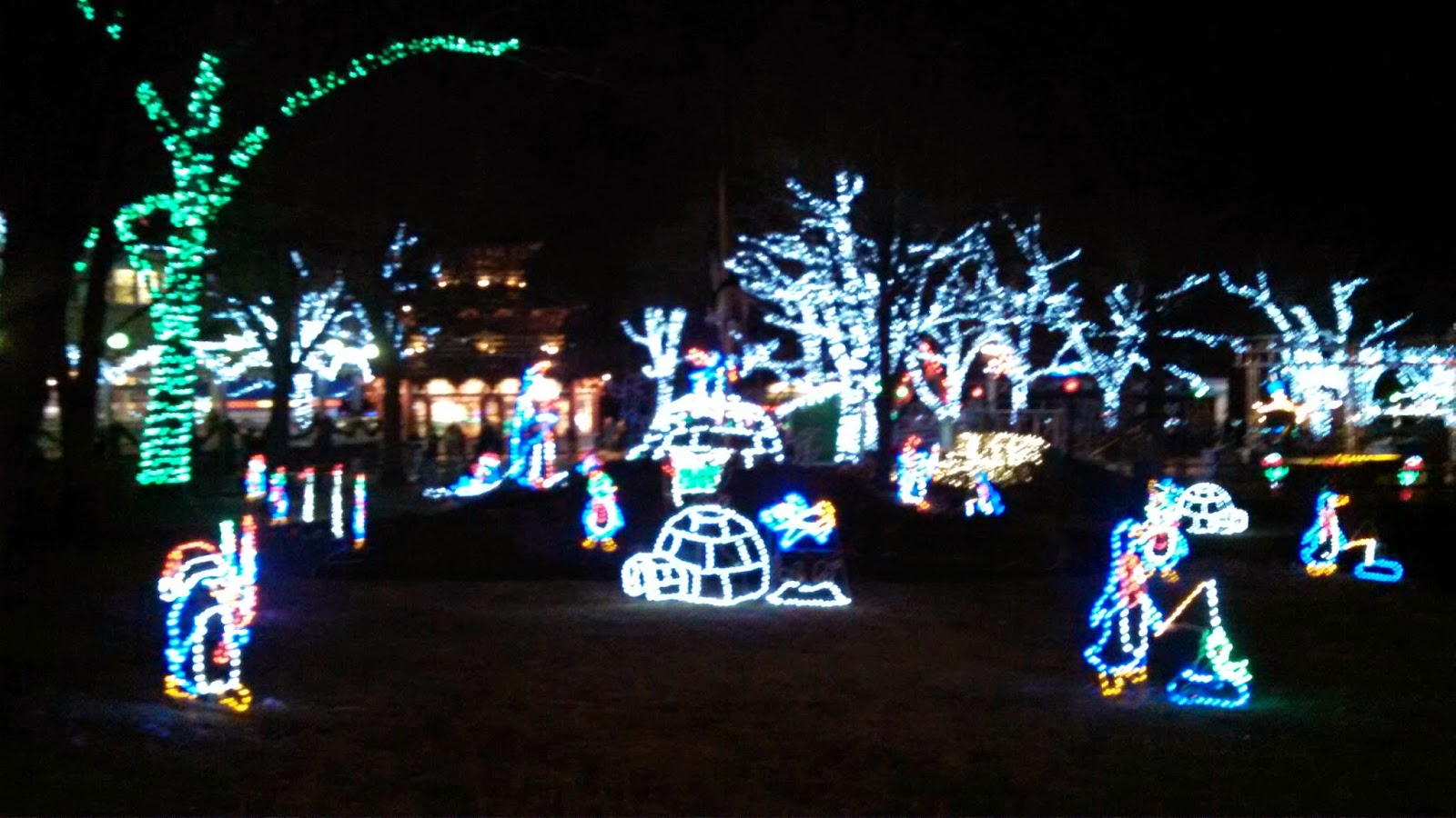 Kennywood Christmas.Pgh Momtourage Giveaway Kennywood Holiday Lights The