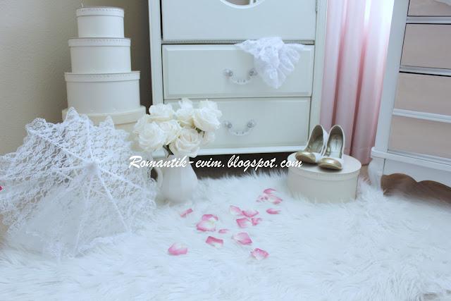 my shabby chic home   romantik evim  romantik ev my shabby chic powder room rugs Simple Powder Room Decorating Ideas