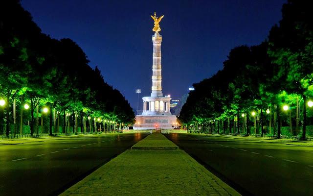 Berlin Gorgeous Victory Column at Night Germany HD Desktop Wallpaper