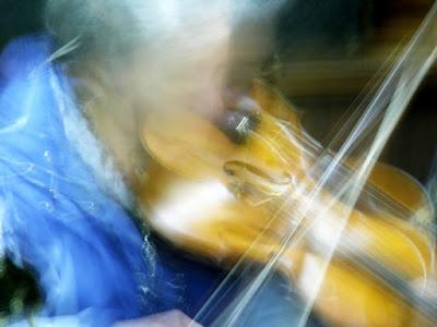 doble_rick_violinist_in_motion.jpg