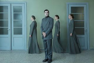 """""""Αμφιβολία"""" του Τζον Πάτρικ Σάνλει, σε σκηνοθεσία Απόλλωνα Παπαθεοχάρη."""