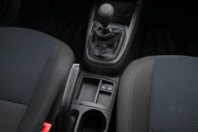 Chevrolet Onix 2017 - interior