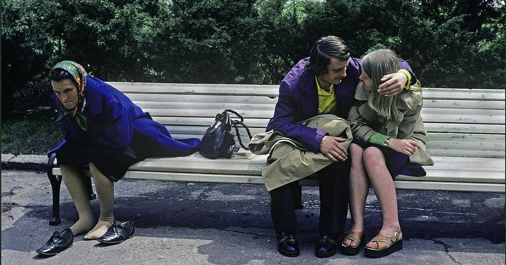 42 Fascinating Color Photographs That Capture Everyday Life in Odessa, Ukraine in the 1982
