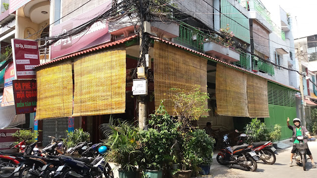mành trúc quán cafe