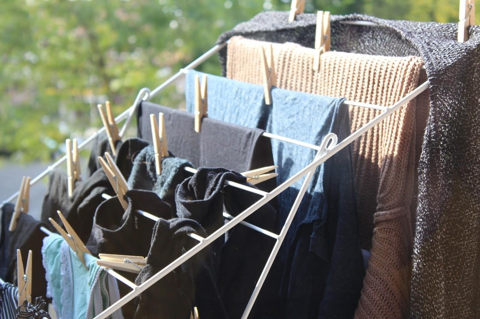 Capsule wardrobe update: nog net niet minimalistische kledingkast