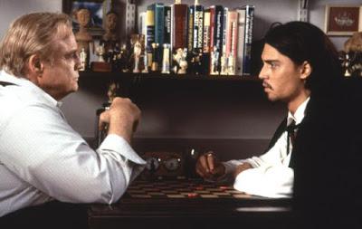 Don Juan DeMarco en la consulta del psiquiatra jugando una partida de damas