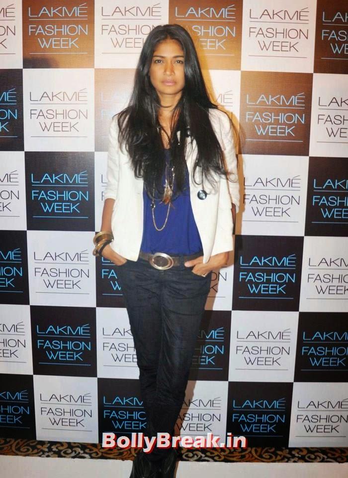 Carol Gracious, Indian Female Models in Shorts Walk Ramp - Photo gallery
