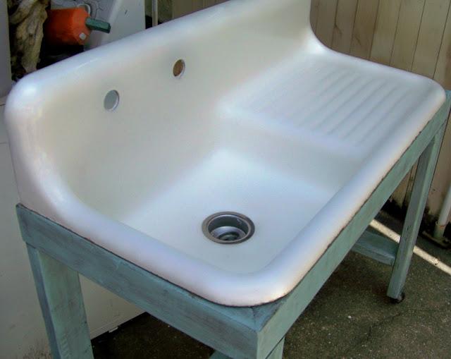 Shabby Sure Vintage Kitchen Sink