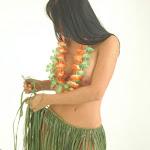 Andrea Rincon, Selena Spice Galeria 13: Hawaiana Camiseta Amarilla Foto 62