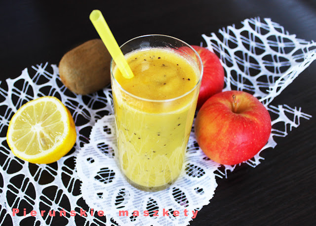 smoothie z banana i kiwi