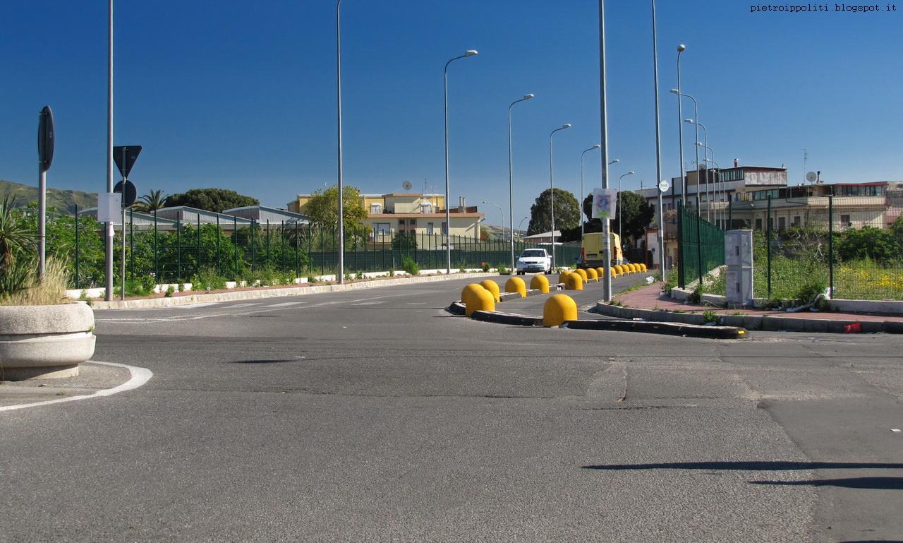 Pista ciclabile di RC, rotonda Viale Calabria
