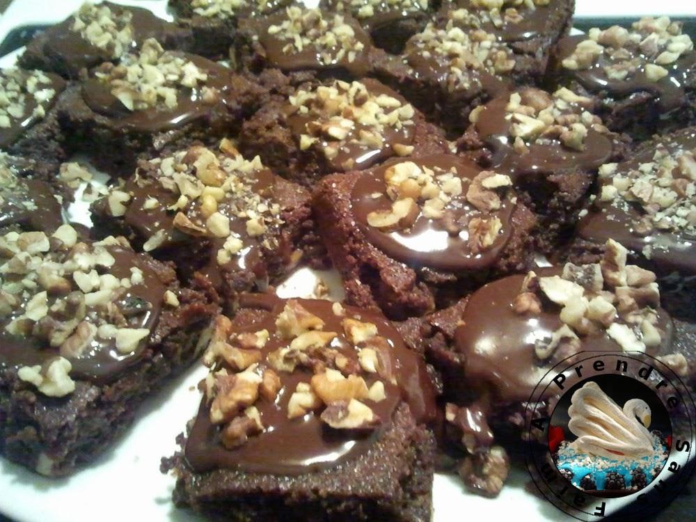 Brownie sans farine sauce au chocolat et au café