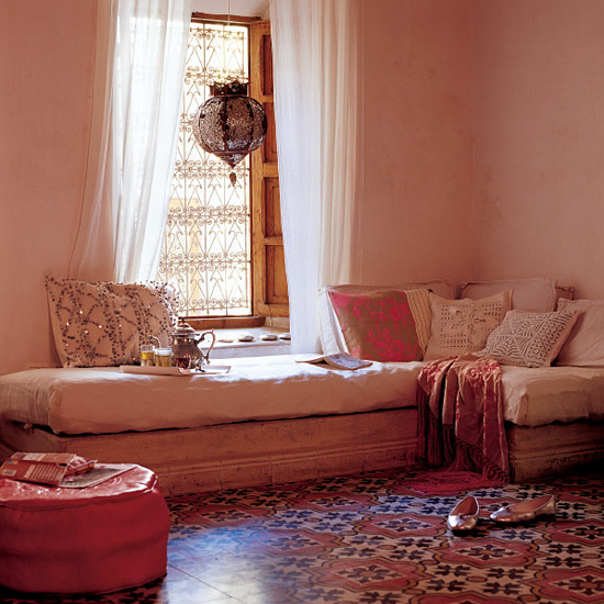Moroccan House Style: Contemporary home decorating ideas