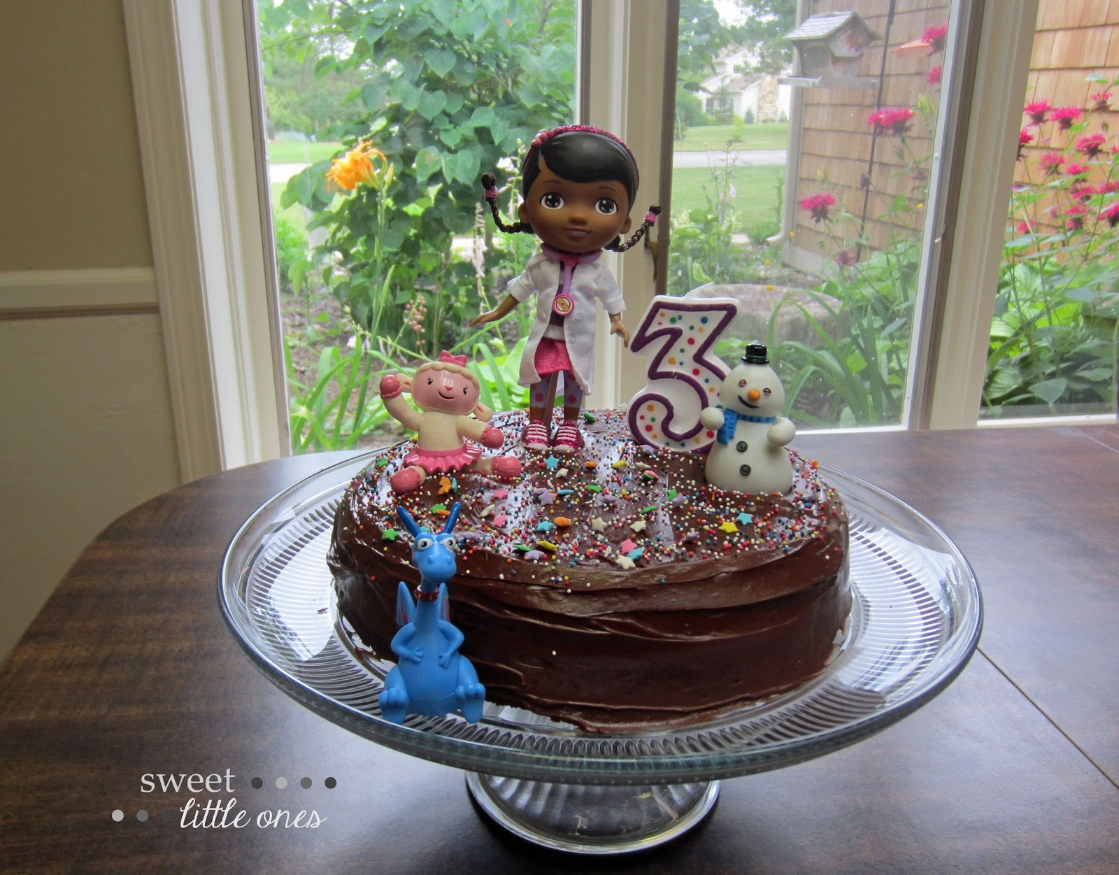 Doc McStuffins Birthday Party Cake
