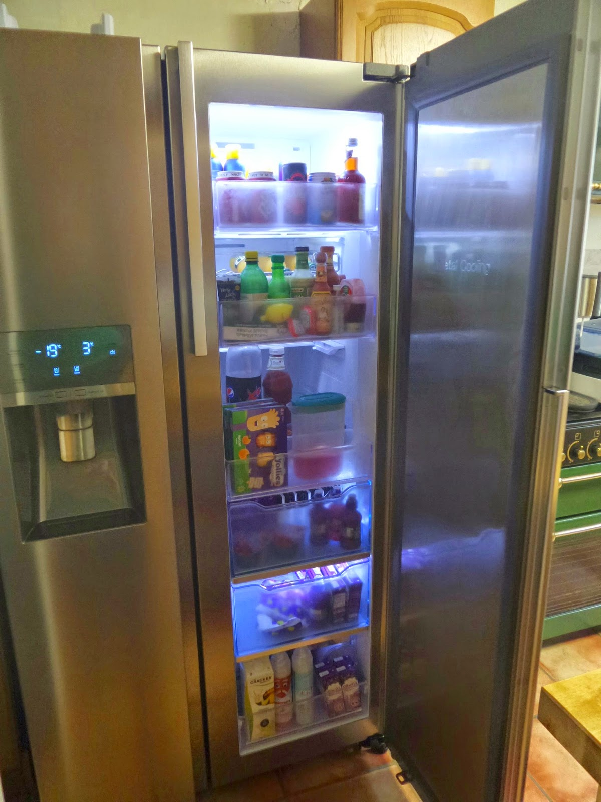 Samsung Showcase Fridge Freezer - Showcase open