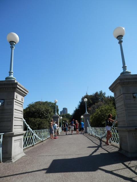 Public Garden Boston pont Love Story