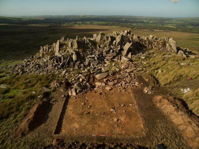 Quarrying of Stonehenge 'bluestones' dated to 3000 BC