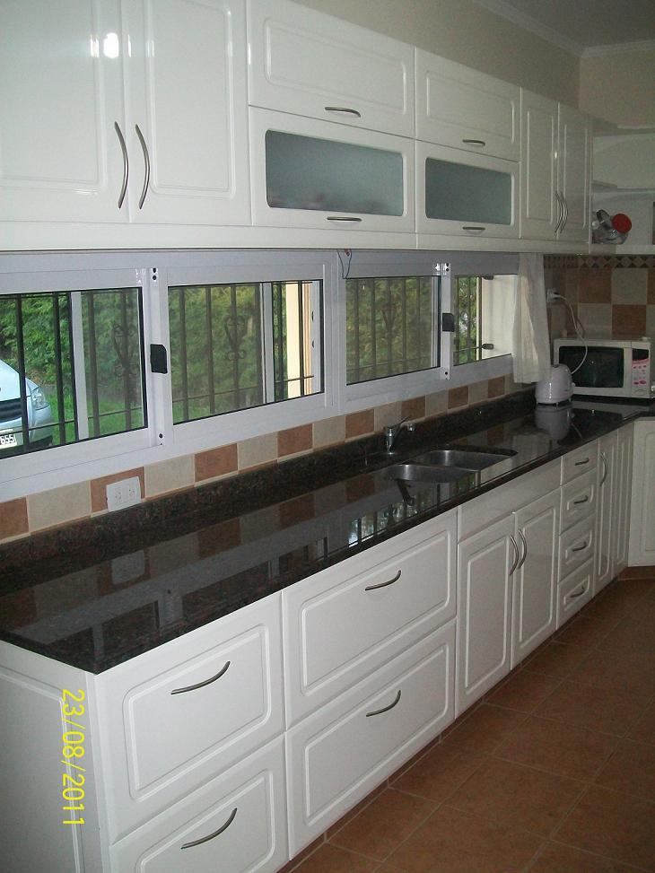 Mobilack mueble de cocina laqueado blanco brillante for Fotos de amoblamientos de cocina