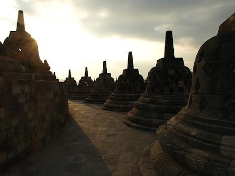 Magelang dan Hotel di Dekat Candi Borobudur