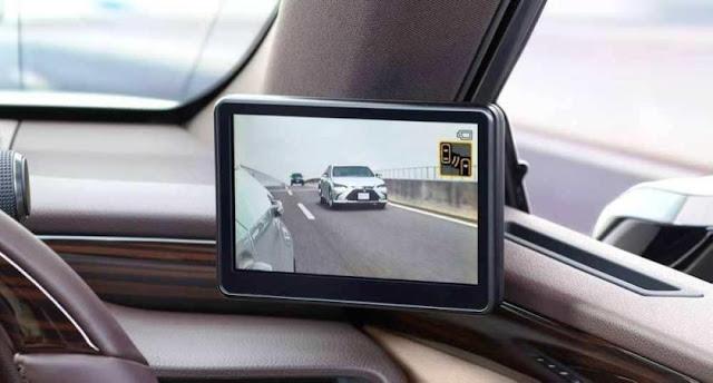 بالفيديو: لكزس أول سيارة تستبدل مرايا الجانب بكاميرات.