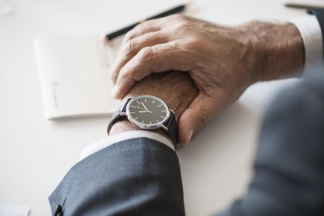 4 greseli pe care le poti face cand porti ceas