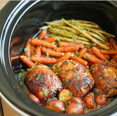 SLOW COOKER HONEY GARLIC CHICKEN AND VEGGIES #vegetarian