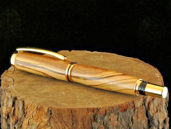 Pen Made from Olive Wood | Crafting in the Rain