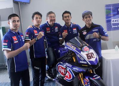 Rider Yamaha Racing Indonesia bersama Minoru Morimoto, Presiden Direktur YIMM