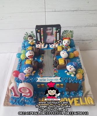 Kue Tart Kelas Doraemon Lucu