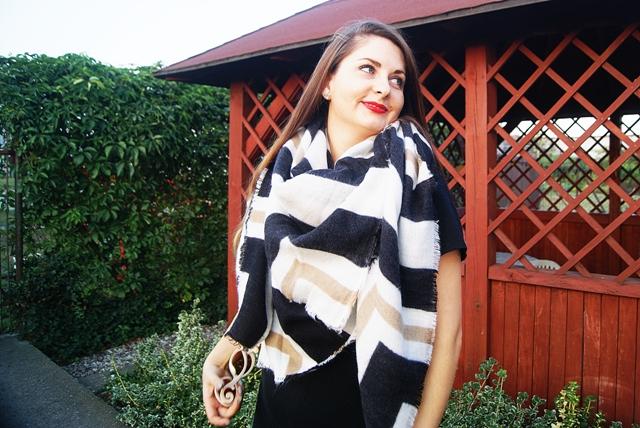 http://www.zaful.com/stripe-printed-shawl-scarf-p_198776.html?lkid=16350