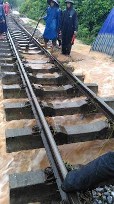 25 người chết, 4 người mất tích do mưa lũ