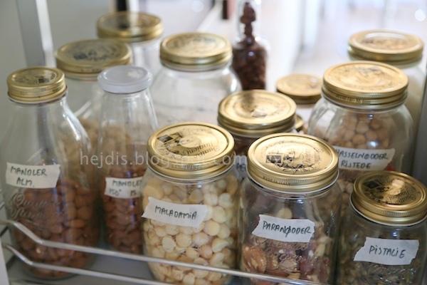 Heidis Verden: Noget (faktisk en hel del) om opbevaring af madvarer i glas og flasker