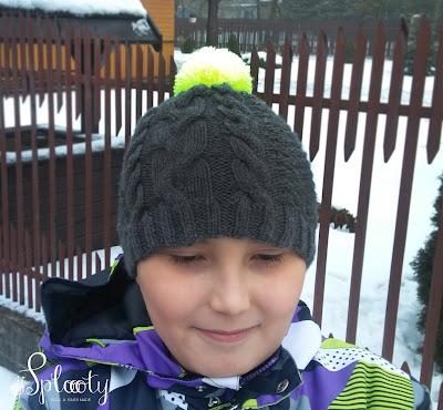 chłopięca czapka na drutach