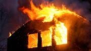 Családi ház tetőszerkezete égett Budapesten