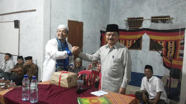 Jemaah Tarwih Surau Kalarai Nagari Koto BaruPadang Sago Sambut Antusias Kedatangan Bupati Ali Mukhni
