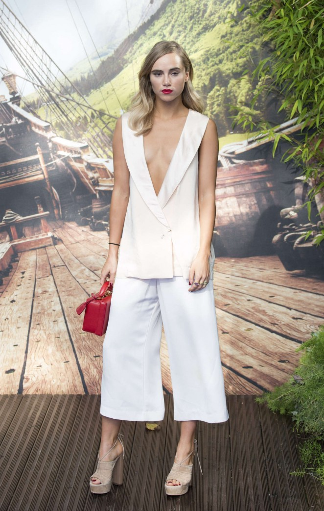 Suki Waterhouse goes braless at the 'Pan' World Premiere in London