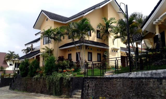Villa Di Batu | Villa Rose Dekat Agrowisata Batu