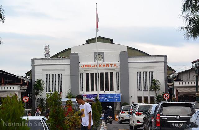 Depan Stasiun Tugu Yogyakarta