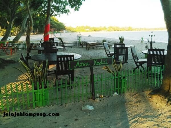 kedai embe beach