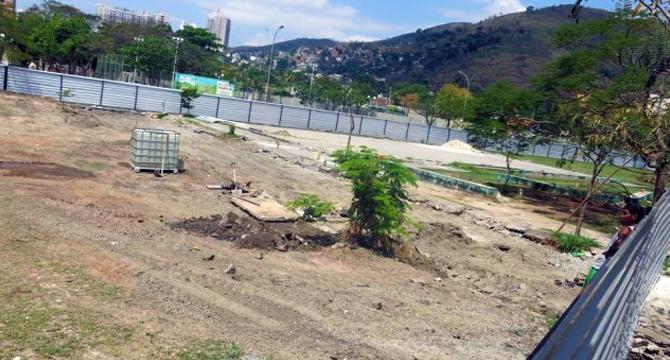 Moradores de Nova Iguaçu denunciam venda de praça à Defensoria Pública