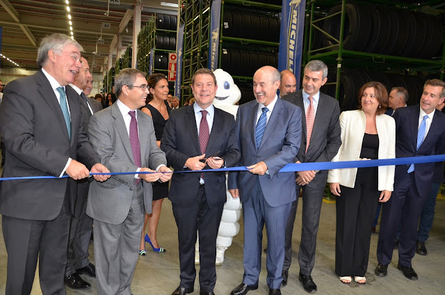 Corte e cinta durante la inauguración de Michelin Illescas