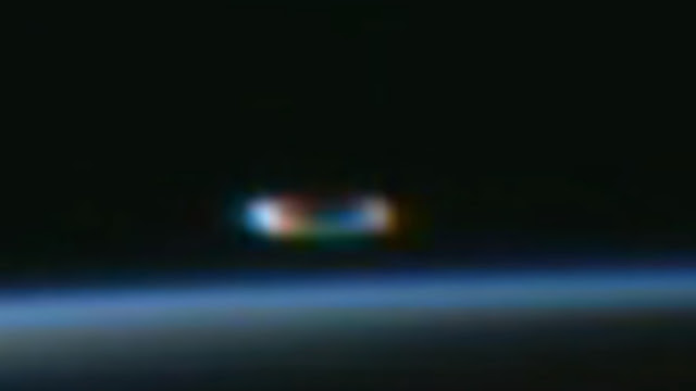 The-NASA-live-feed-has-another-UFO-appear-but-this-time-they-do-not-see-it.