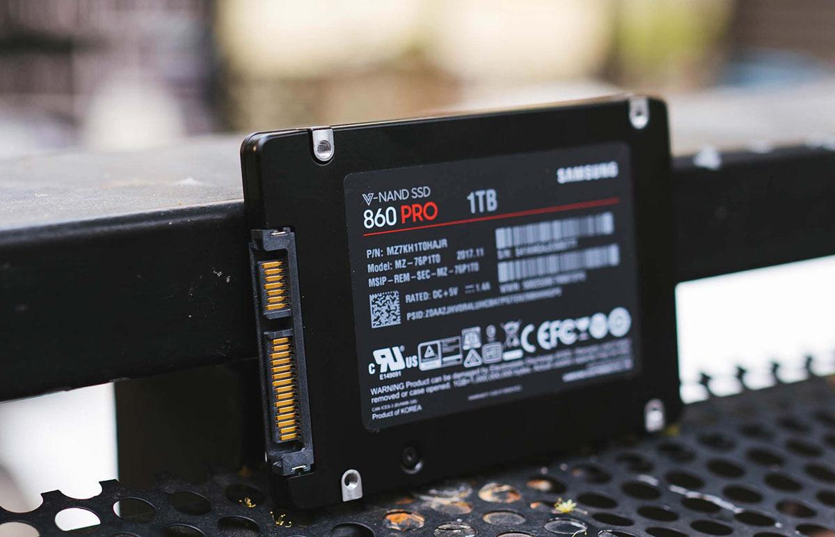 SSD là gì trong máy tính? SSD và HDD cái nào tốt hơn?