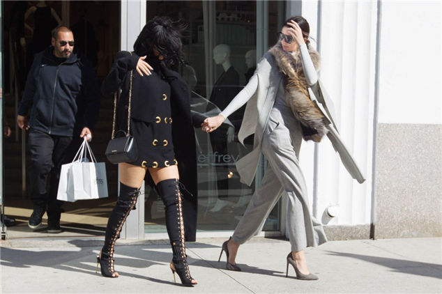 Kylie Jenner And Kendall About In Soho